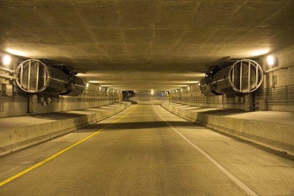 Lower Wacker Fan Tunnel -014
